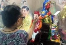 Xóm làm tượng Phật 100 tuổi