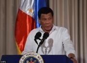 tong thong philippines noi tung nem xac nhieu trum ma tuy xuong bien va khe nui