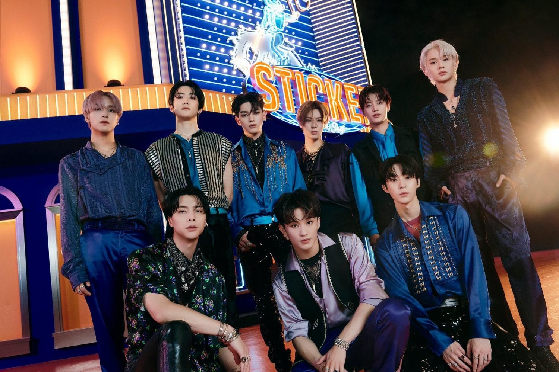 """Sao Hàn ngày 16/9: NCT 127 đạt hơn 2,1 triệu bản pre-order album """"Sticker"""""""