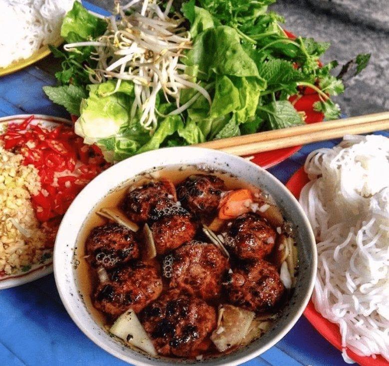 Những món ăn đường phố nổi tiếng của Việt Nam