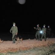 """Xuyên đêm ở """"điểm nóng"""" ngăn dịch Covid-19 từ bên ngoài vào Việt Nam"""