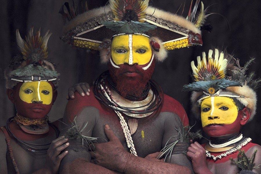 """Bộ tộc nổi tiếng bởi những chiếc """"mũ"""" làm từ tóc của mình"""