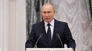 Tổng thống Nga Vladimir Putin đang cách ly