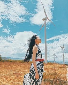 """Chụp ảnh """"chất như nước cất"""" tại hai cánh đồng quạt gió ở Bình Thuận"""