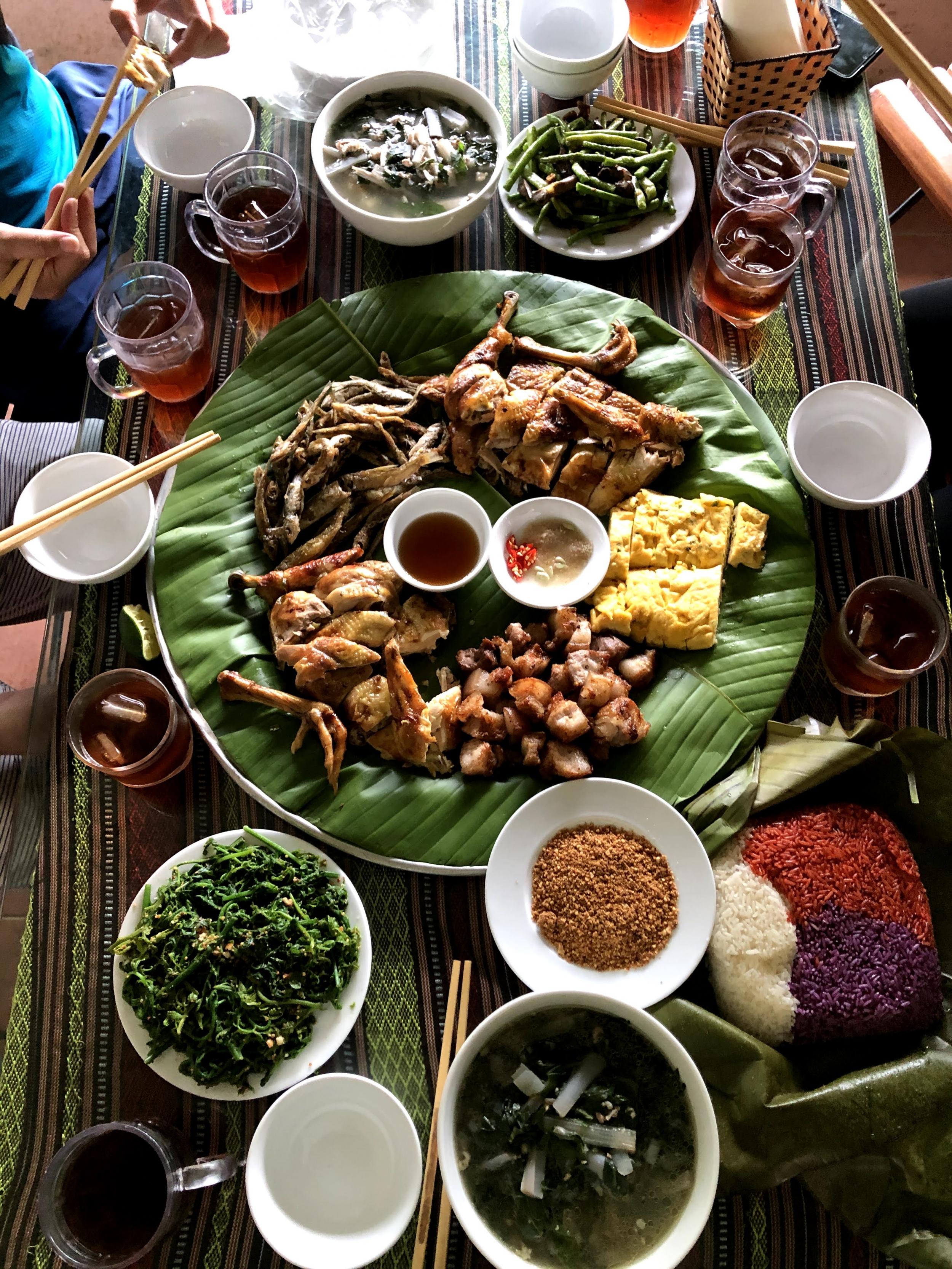 Khám phá ẩm thực mâm cỗ lá người Mường-Tân Sơn, Phú Thọ
