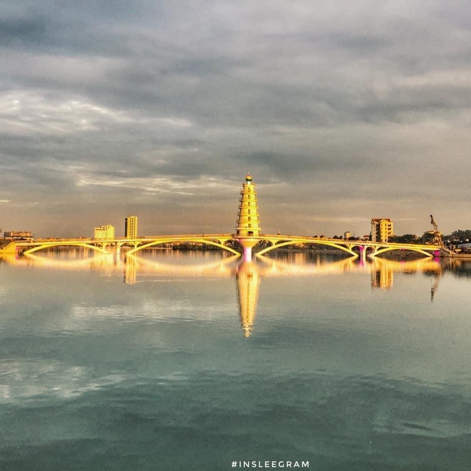 Cầu đi bộ Công viên Văn Lang - Địa điểm check-in tuyệt đẹp tại Việt Trì