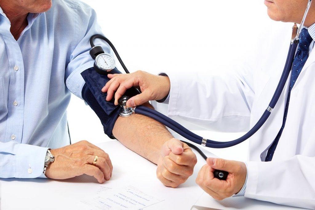 Làm sao để phòng ngừa và điều trị bệnh huyết áp thấp