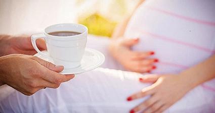 Caffeine ảnh hưởng đến não bộ thai nhi, hậu quả kéo dài