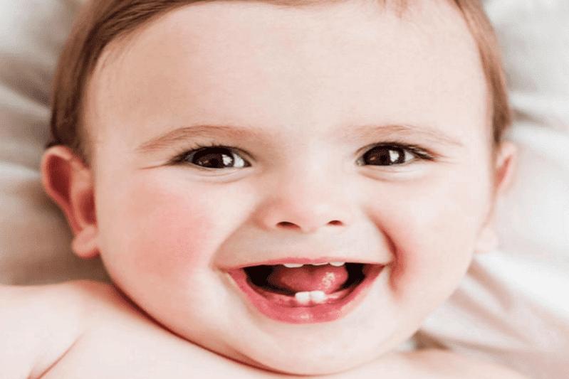 Mẹo hay giúp trẻ không bị sốt, đau khi mọc răng