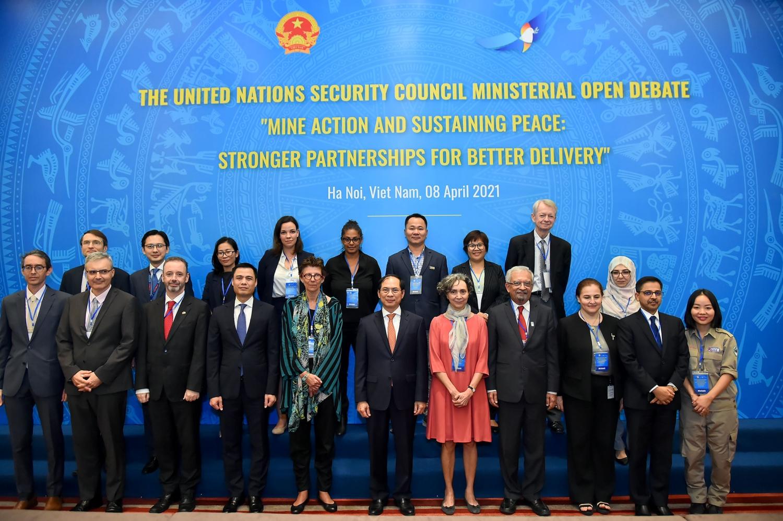 Việt Nam tổ chức Phiên Thảo luận mở cấp Bộ trưởng của HĐBA về khắc phục hậu quả bom mìn