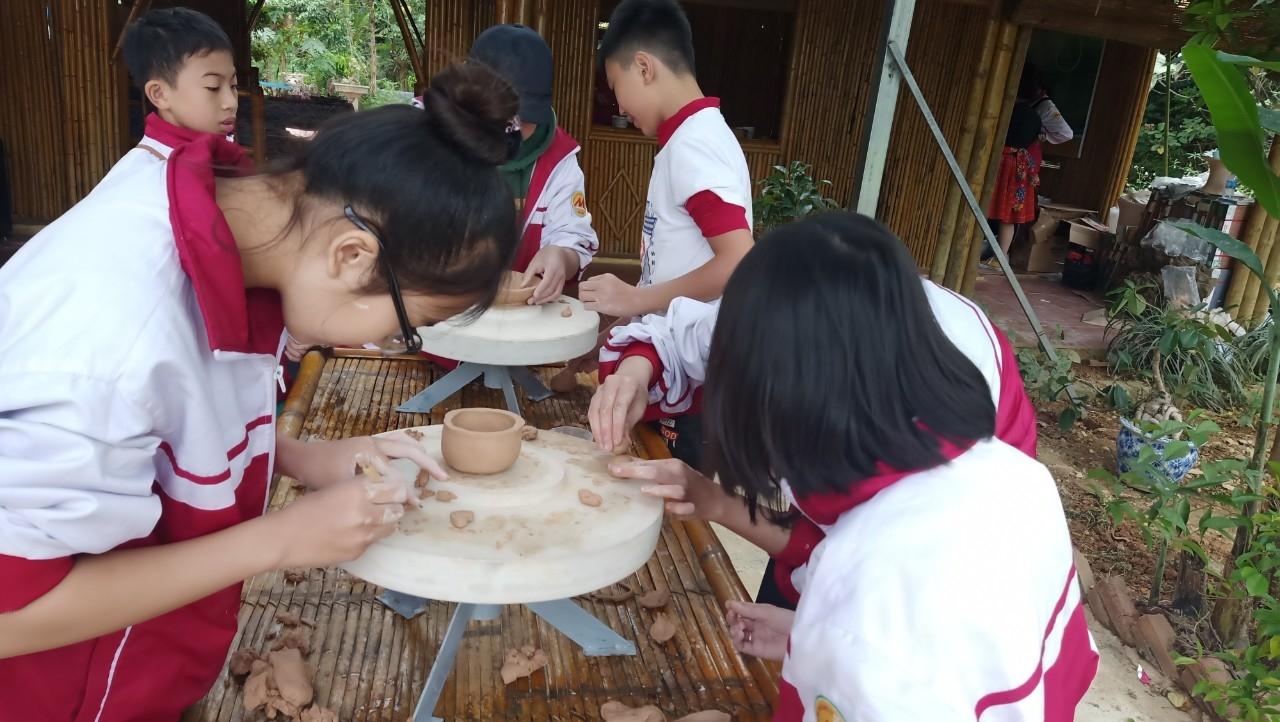 Nghề gốm gắn với du lịch ở Mộc Châu