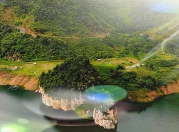 Trải nghiệm mới tại lòng hồ thủy điện Bản Chát
