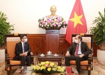 Thứ trưởng Ngoại giao Nguyễn Quốc Dũng tiếp Đại sứ Ấn Độ tại Việt Nam