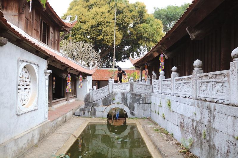 """Ngôi chùa cổ """"giấu"""" kho báu Bảo vật Quốc gia"""