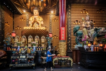 Chùa Vạn Phật giữa lòng Sài Gòn