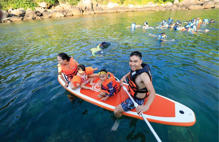 Đến Hòn Chảo ăn hải sản, lặn ngắm san hô