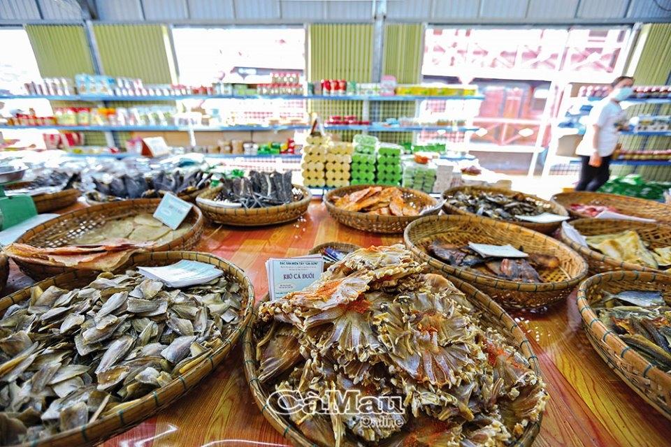 Chợ nổi Cái Răng - Trải nghiệm vô cùng độc đáo khi đến với Tây Ðô