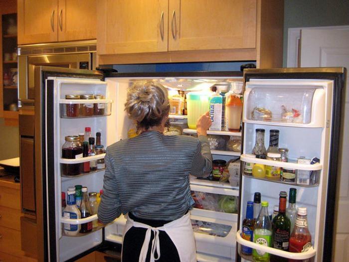 Cách khử mùi tủ lạnh cực hiệu quả