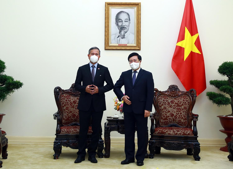 Phó Thủ tướng Phạm Bình Minh tiếp Bộ trưởng Ngoại giao Singapore