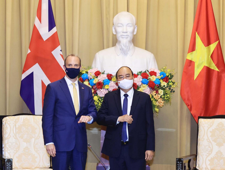 Chủ tịch nước Nguyễn Xuân Phúc tiếp Bộ trưởng Thứ nhất, Bộ trưởng Ngoại giao và Phát triển Anh