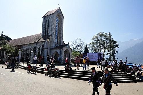 Lào Cai: Tạm dừng thu phí tham quan 3 điểm du lịch tại thị xã Sa Pa