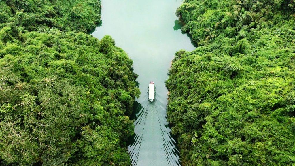 Khám phá lòng hồ Thủy điện Sông Miện