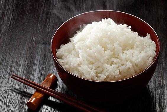 Nấu cơm trắng theo cách này bạn có thể ăn no mà vẫn giữ được dáng