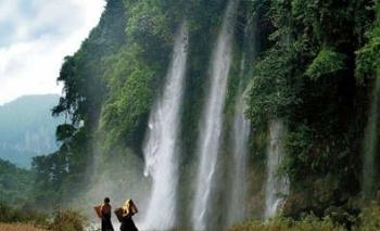 Ngắm cảnh hữu tình bên thác Mưa Rơi
