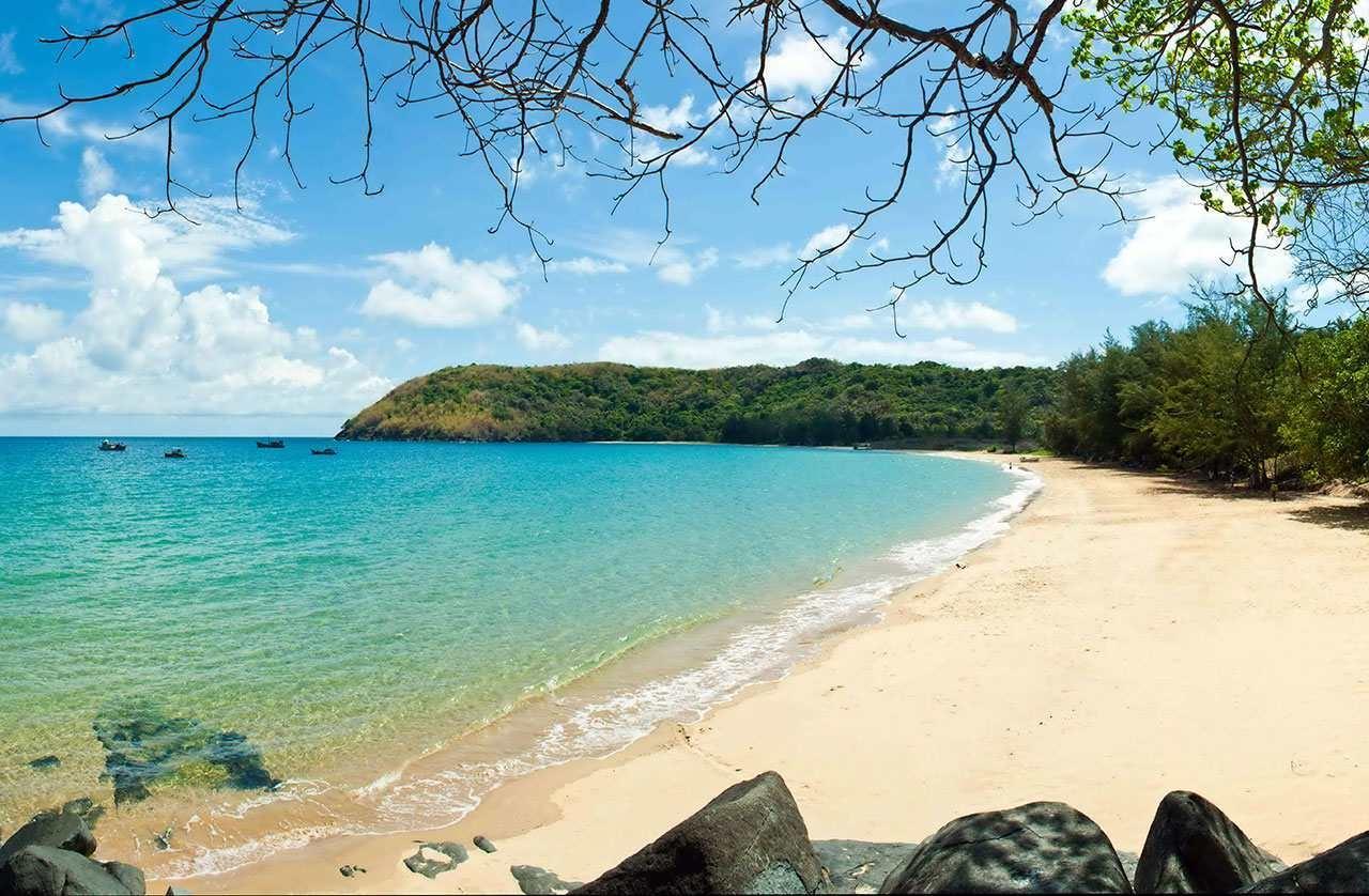 Vẻ đẹp hoang sơ của bãi Đầm Trầu - Côn Đảo