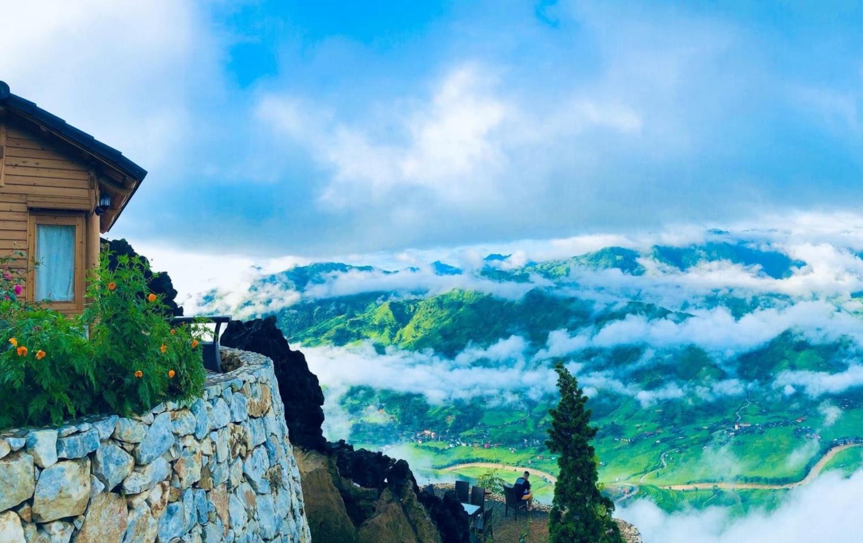 Khám phá bản Hang Đá trong mây ở Sa Pa