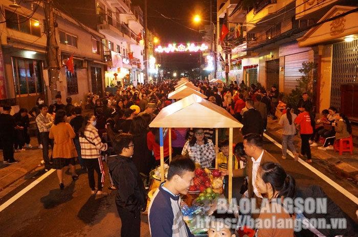 Lạng Sơn công nhận Phố đi bộ Kỳ Lừa là điểm du lịch của tỉnh