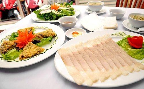 Ẩm thực Đà Nẵng: Bánh tráng cuốn thịt heo