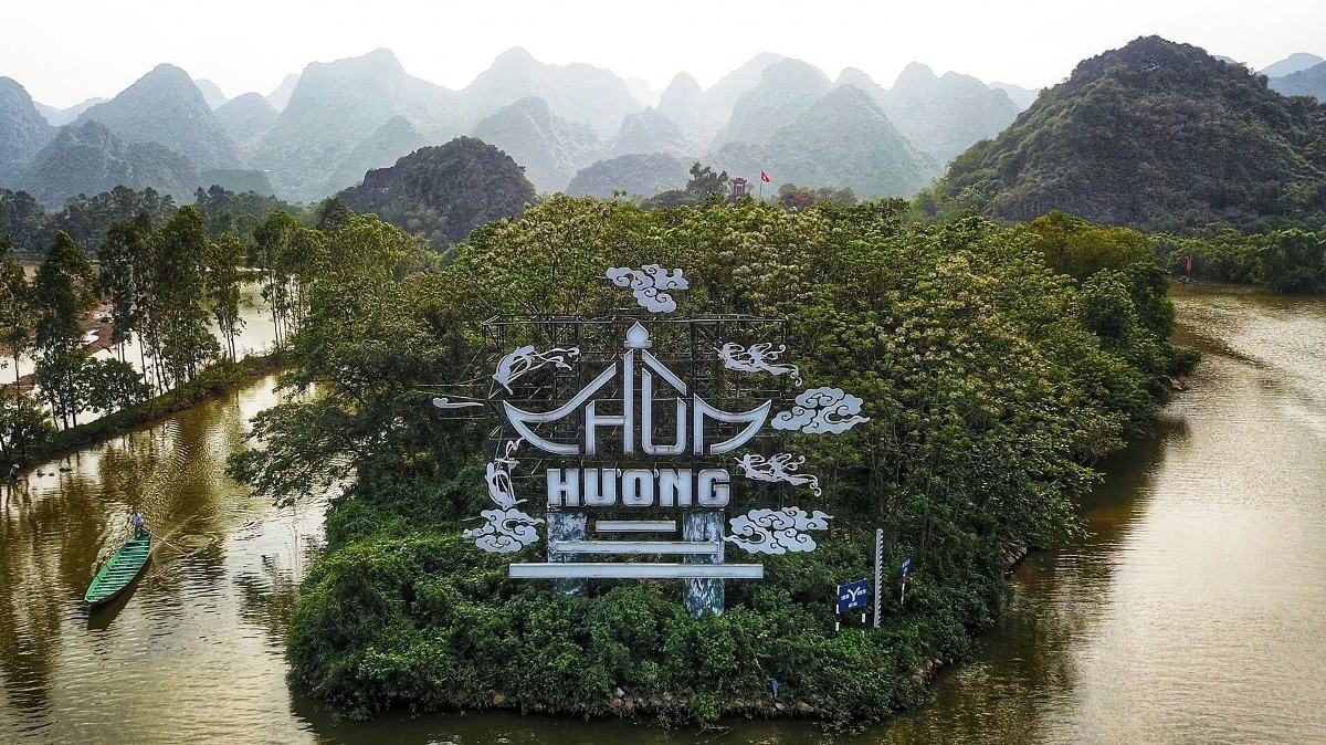Tháng ba, vãn cảnh chùa Hương