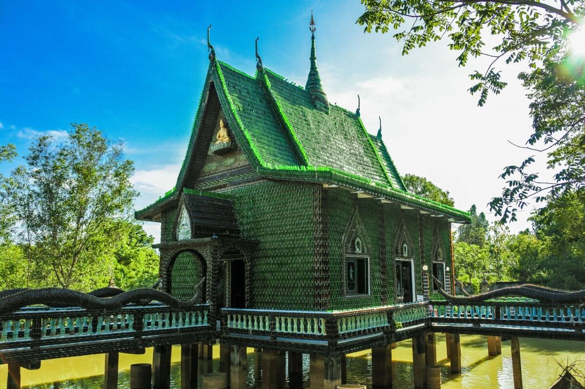 """Ngôi chùa vỏ chai - Kiến trúc """"có một không hai"""" ở Thái Lan"""