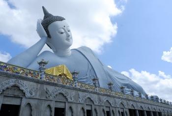 Đến chùa Som Rong Sóc Trăng chiêm ngưỡng tượng Phật nằm