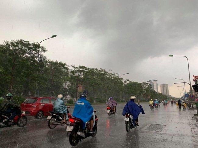 Thời tiết hôm nay 12/6/2021: Cảnh báo mưa lớn do ảnh hưởng của áp thấp nhiệt đới