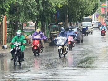 Thời tiết hôm nay 18/7/2021: Bắc Bộ mưa dông, vùng núi đề phòng lũ quét