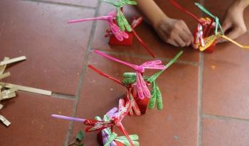 Chuồn chuồn tre Thạch Xá - Món quà của tuổi thơ