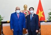 Bộ trưởng Ngoại giao Bùi Thanh Sơn tiếp Đại sứ Cuba chào xã giao