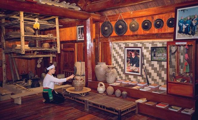 Những nét văn hóa trong sinh hoạt đời thường của dân tộc Mường được bảo tồn tại Khu du lịch sinh thái Bản Coốc.