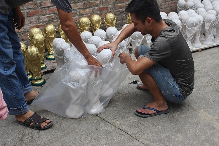cup world cup made in viet nam vuon tam the gioi