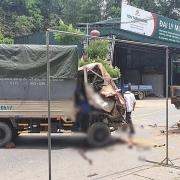 Phú Thọ: Tông đuôi xe tải, 3 người trong một gia đình thương vong