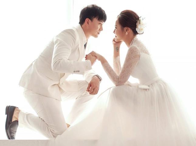 Cặp đôi Hoàng Huy - Khánh Thy trong phim