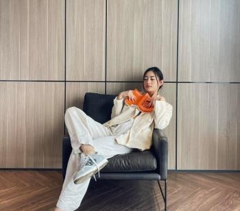 Hoa hậu Lương Thùy Linh diện outfit mới đầy cá tính