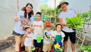 Sao Việt ngày 27/10: Hải Băng không thích con riêng của chồng gọi mình bằng mẹ?
