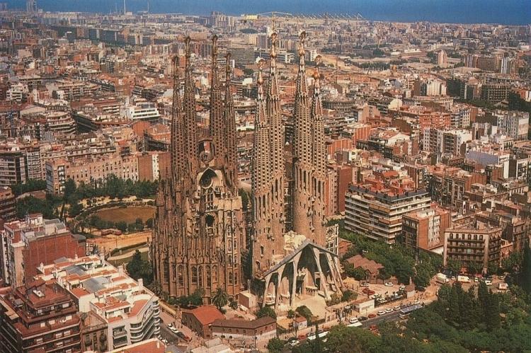 Nhà thờ Sagrada Familia - kiệt tác nghệ thuật của Tây Ban Nha