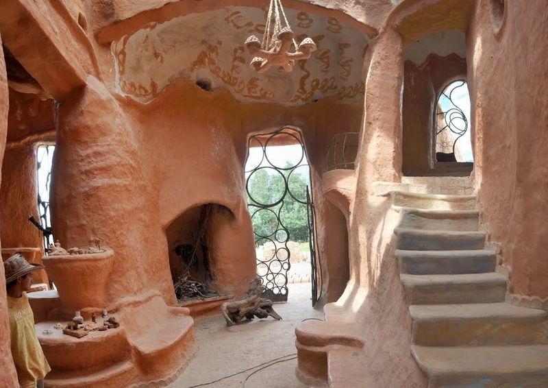 Luồng gió mới cho kiến trúc thế giới: Độc đáo ngôi nhà bằng đất sét 2 tầng đầy đủ tiện nghi