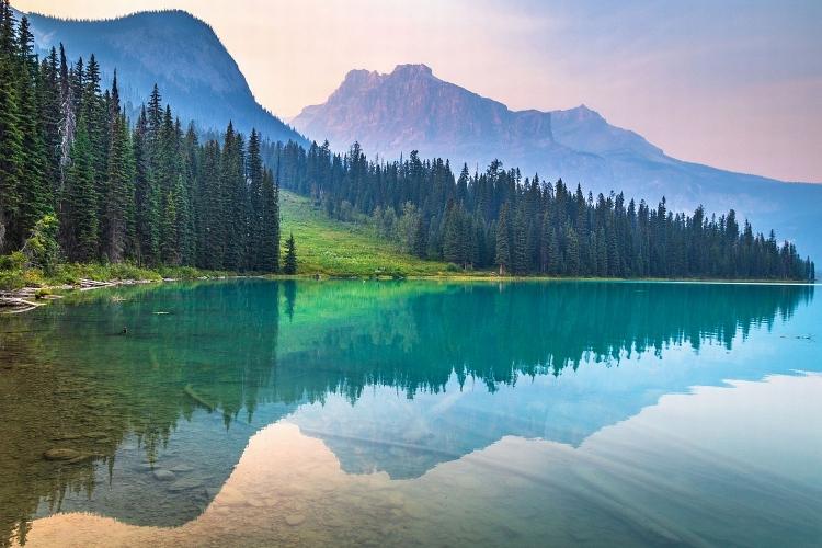 Những hồ nước đẹp nhất Canada
