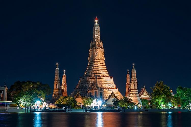 Lượng khách du lịch nước ngoài đến Thái Lan giảm xuống mức thấp nhất thập kỷ