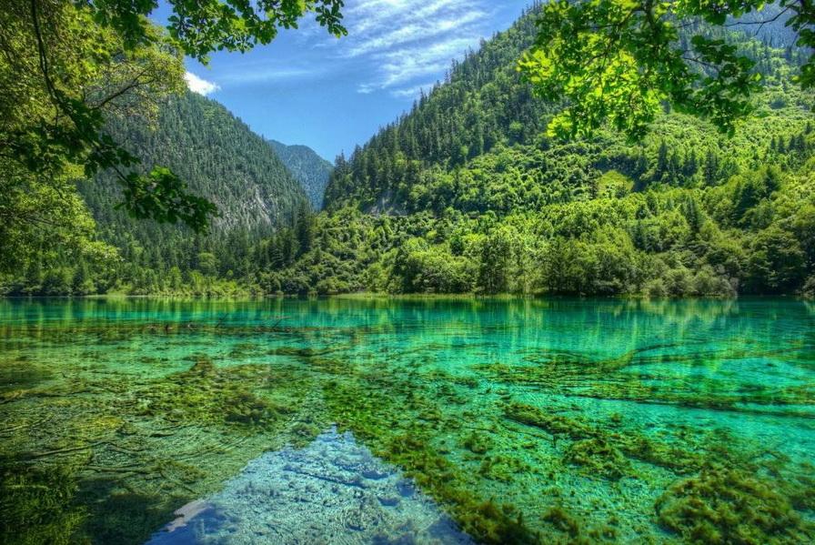Những hồ nước đẹp như tranh tạo nên khung cảnh thần tiên trên Trái đất - 1